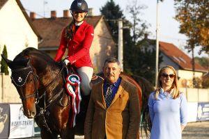 Vizsgáztak és versenyeztek a lovasok