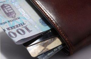 Ellopta a pultosok pénztárcáját - fél nap alatt elkapták