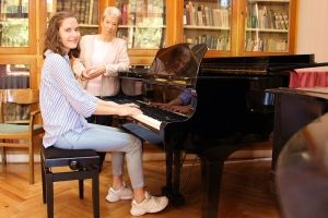 (►) Varga Luca: A zongora tényleg a hangszerek királynője