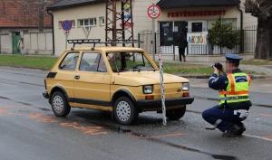 Furcsa baleset a főúton