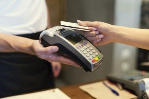 A vírushelyzet miatt változik a bankkártyás fizetés is