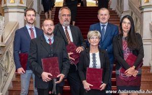 Miniszteri elismerés kórházi munkatársaknak (galéria)