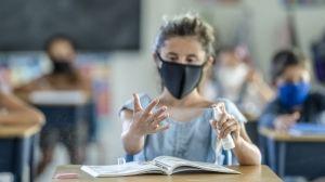 Ismét jön a maszkviselés és a testhőmérséklet ellenőrzés a Fazekas-iskolában