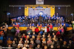 A teljes újévi koncert a Halas TV műsorán