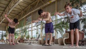 Alázat, munka, siker, úszók (galéria)