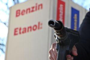Átlépi az 500 forintot az üzemanyagok ára
