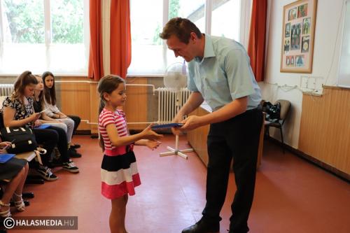 Polgármesteri gratuláció a Fazekas-iskolában